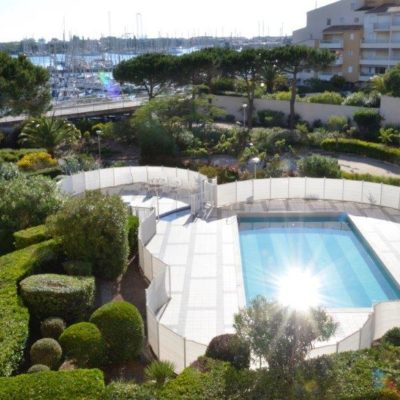Appartement 33m2, piscine, parking, à 200m de la plage du Môle